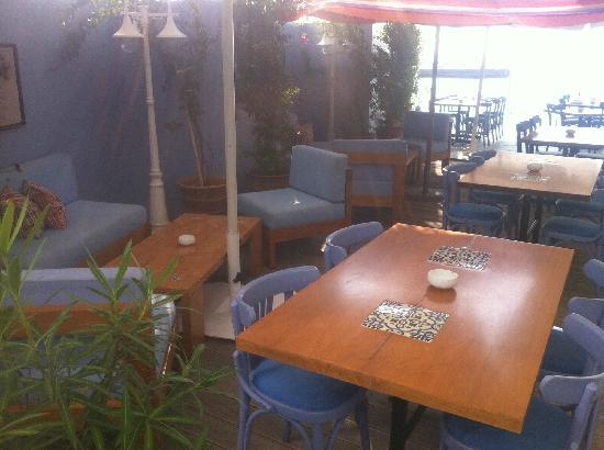 Le Galet: outdoor seating