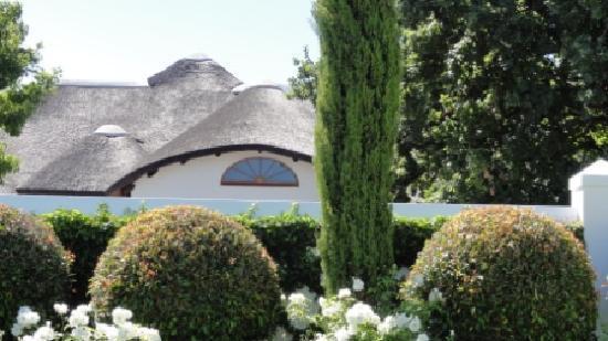 Van der Stel Manor: Guesthouse mit Thatchroof