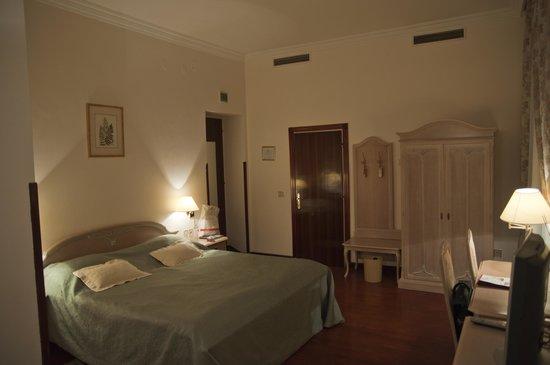 Hotel W.A. Mozart: Room