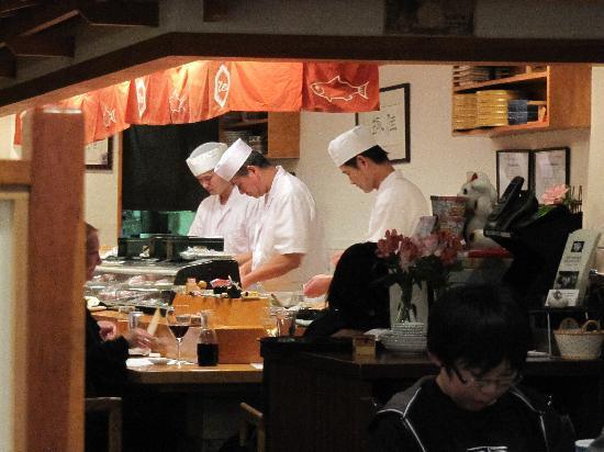 Zen Japanese Restaurant: Itamae at sushi bar