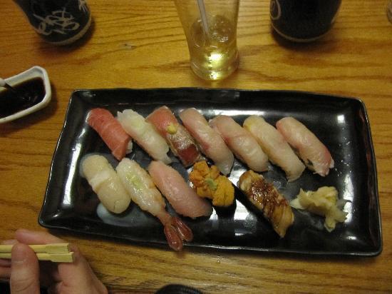 Zen Japanese Restaurant: Sushi omakase at booth