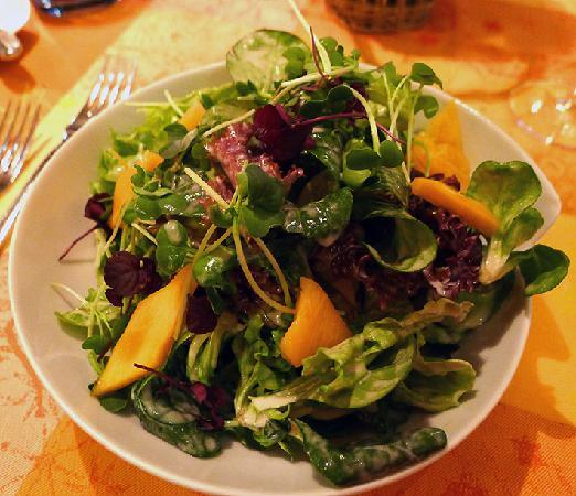 Landgasthof Zum Hirsch: Salad with pickled pumpkin