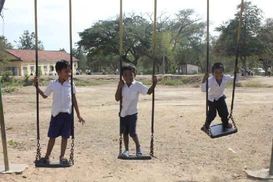 Dancing Roads Cambodia : school children near the temples