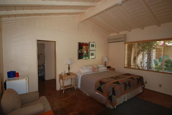 Warm Sands Villas: Our standard room