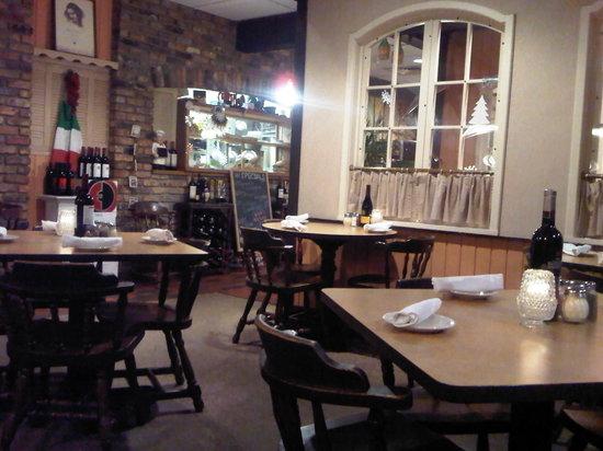 Giuseppe's Italian Ristorante: view of restaurant
