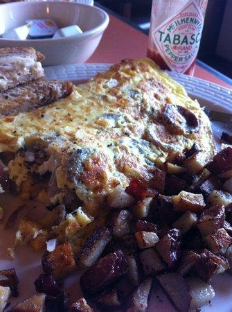 Amici's: mushroom, onion, and sausage omlette
