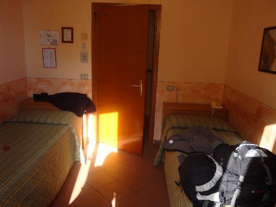Hotel Monica: room