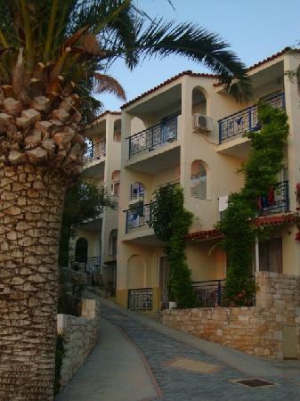 Rethymno Mare Royal Hotel: La nostra camera è quella in alto col balconcino