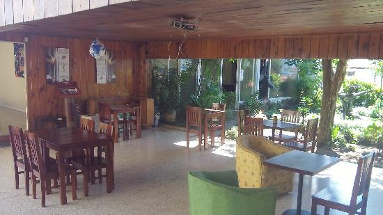 Casa Yoses Hostel: common area