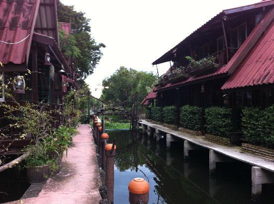 Ban Sukchoke Resort: Dentro del resort