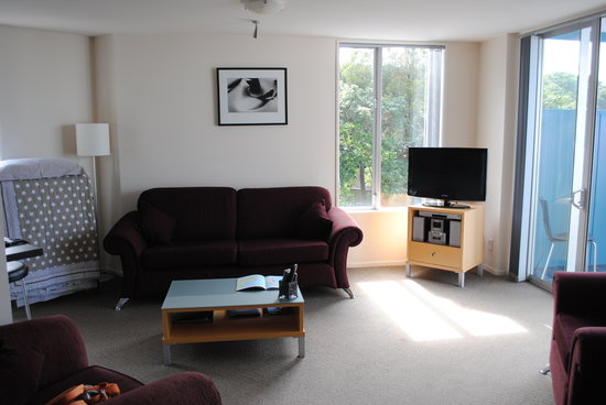 Kaikoura Apartments: Living room