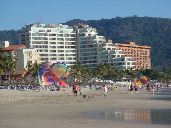 Sunscape Dorado Pacifico Ixtapa: Looking south
