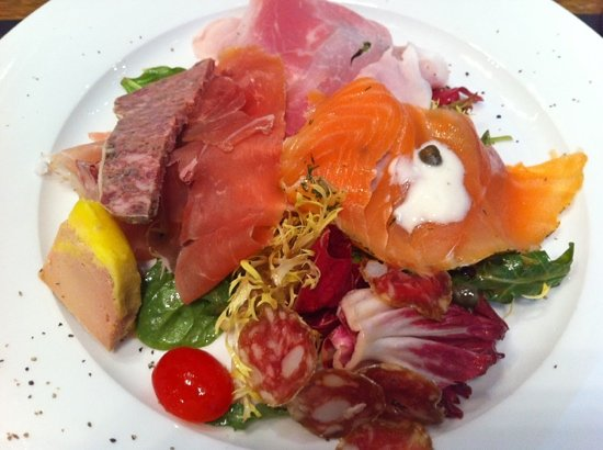 Chez Patrick Deli Star Street: Jan 14 2012 revisited. Heavenly mixed platter appetizer!!