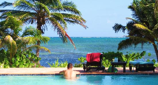 El Pescador Resort: View while lounging in the pool