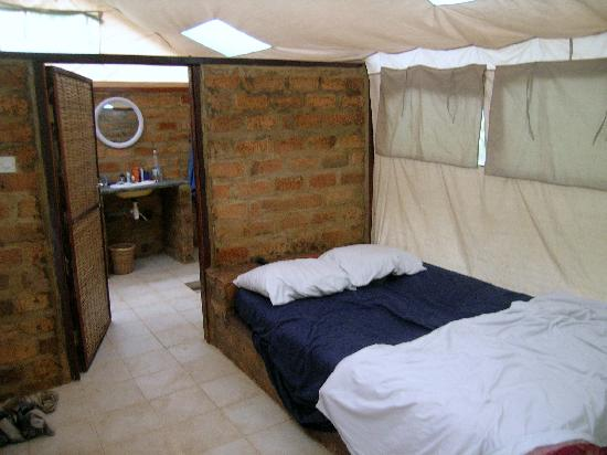 Bird Safari Camp: tent met privaat douche en bio toilet