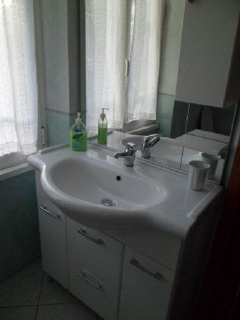 Hotel Lussemburgo: baño1