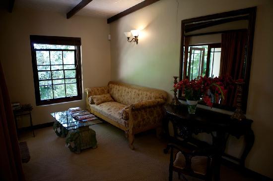 Schoone Oordt Country House: Der Eingangsbereich, und frische Blumen