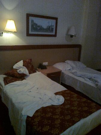 Kilim Hotel: room 1