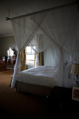 Camp Figtree: Schönes Bett