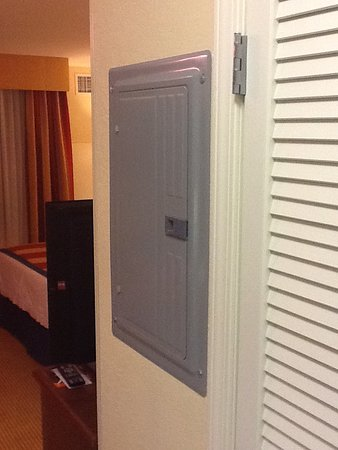 TownePlace Suites Tucson Airport : Panel when you walk into room