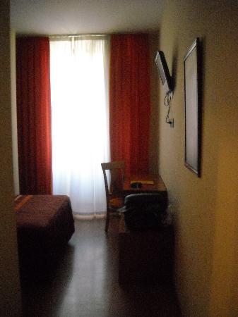 Hotel YIT Mirador de Santa Ana: Habitación - escritorio