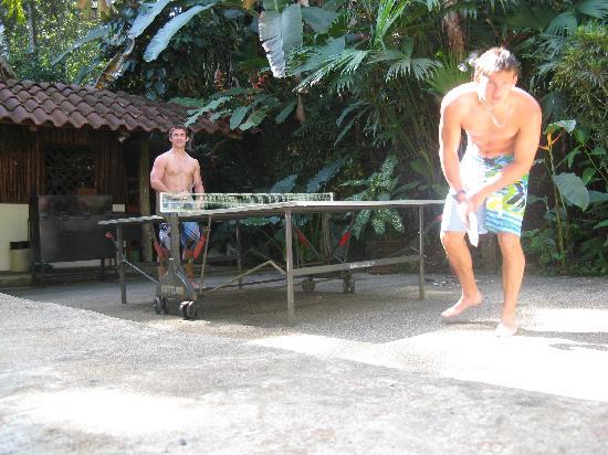 Encanta La Vida: Oh yes, there's ping pong