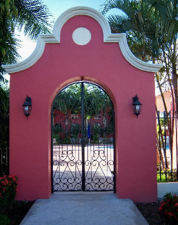 Hotel Santa Maria de Comayagua : Side entrance