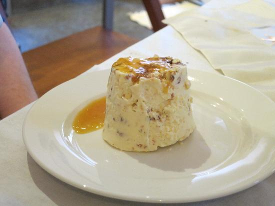 Italy Hotline Custom and Gourmet Tours: Semifreddo ends our delicious meal!