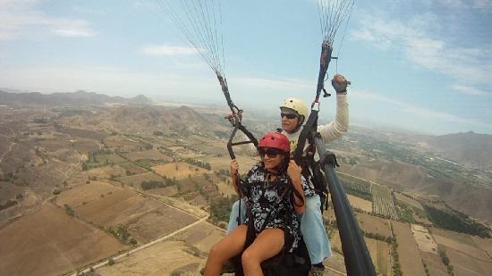 Aeroxtreme Escuela de Parapente: Paragliding Pachacamac, Lima Peru