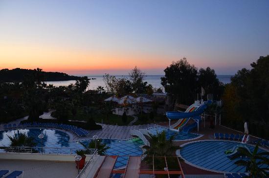 Lycus Beach Hotel: Morgendämmerung