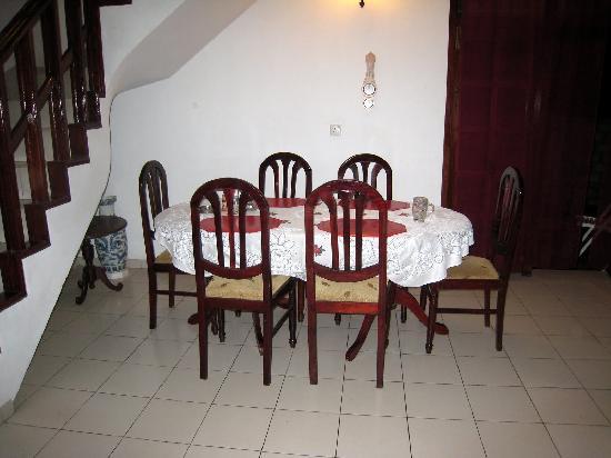 Snowdrop Hotel: dining room