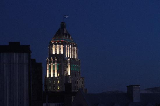 Maison du Fort: A night view
