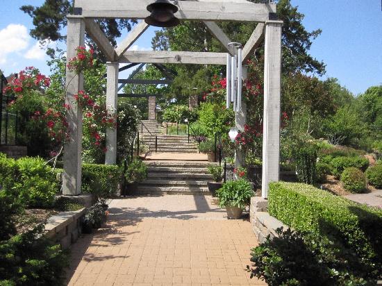 Tulsa Garden Center Linnaeus Teaching Gardens