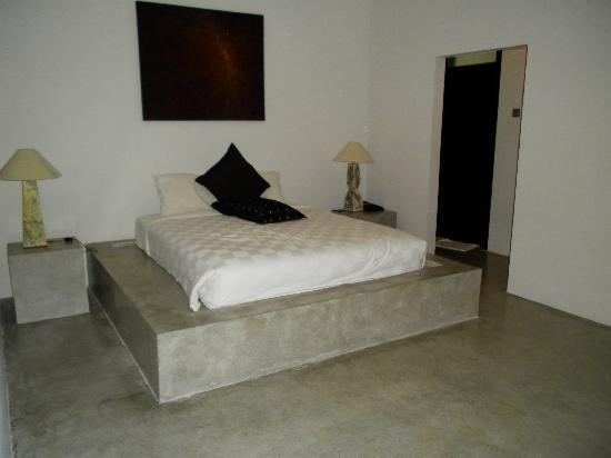 Kuta Regency Villa (B10): Bedroom