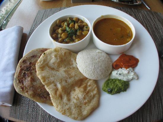 Fortune Select Metropolitan: Breakfast Buffet-Indian style