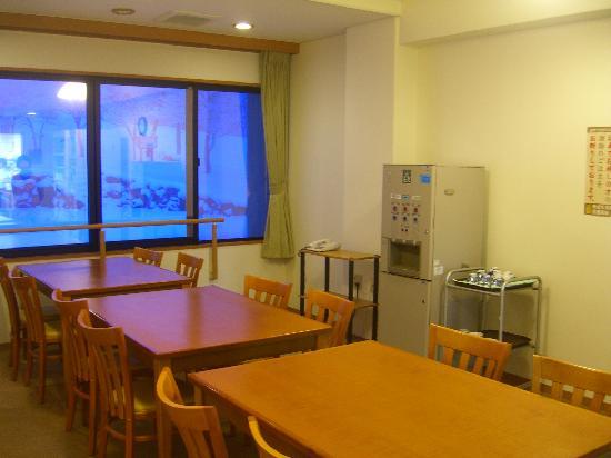 Mizusawa Onsen: 自炊施設の前の休憩場所