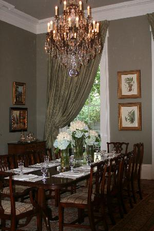 Terrell House Bed and Breakfast: Beautiful dinning room