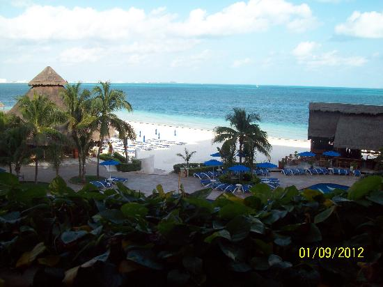 Casa Maya Cancun: The view from our room # 1318