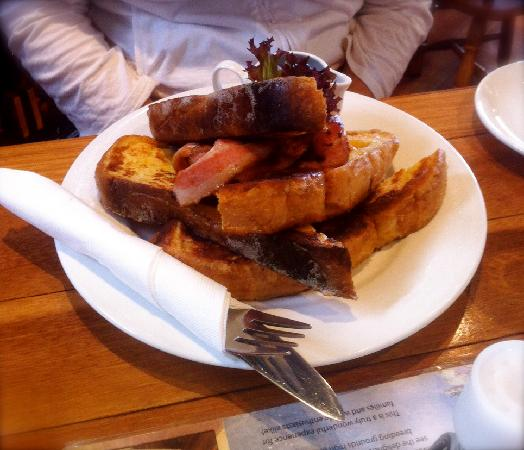 Swingin' Anchor Cafe: French toast with bacon