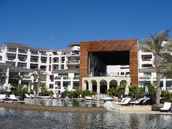 Cabo Azul Resort: The hotel