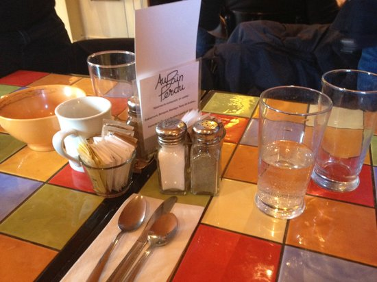 Au Pain Perdu: After a good meal with a few friends