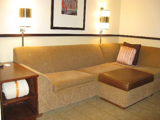 Hyatt Place Boston/Medford: Medford Hyatt Place King Rm Sitting Area