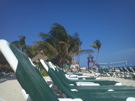 Mayan Palace at Vidanta Riviera Maya: hotel beach area
