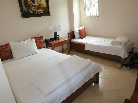 Bich Duyen Hotel: Our twin room