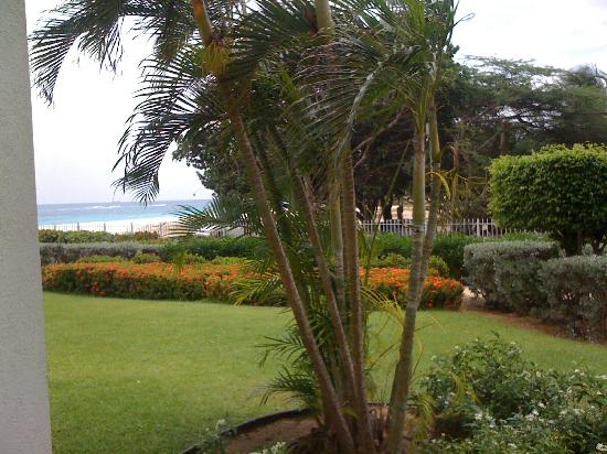 Costa Linda Beach Resort: view from first floor room