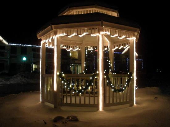Lodge at Jackson Village: Gazebo in front