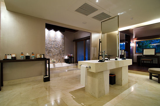 Dhevanafushi Maldives Luxury Resort Managed by AccorHotels: Island Revive Bathroom