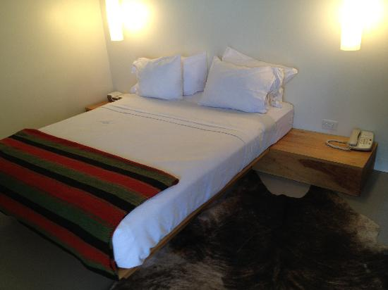 Thunderbird Hotel: comfy bed