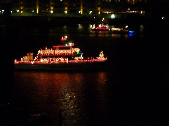 Inn on Destin Harbor: Lighted Boat Parade
