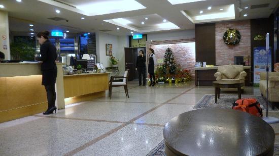 Lige Hotel: Hotel lobby